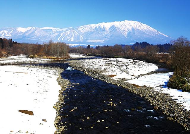 Mount Iwate and Shizukuishi river